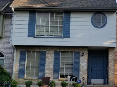 Condo/Townhouse For Sale: 11002 Hammerly Boulevard NE #70