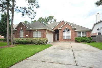 Humble Single Family Home For Sale: 18511 Bluewater Cove Drive