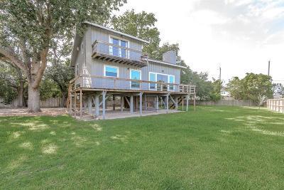 Seabrook Single Family Home For Sale: 702 E Meyer Road