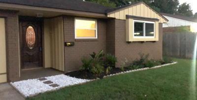 Pasadena Single Family Home For Sale: 2221 Huckleberry Lane