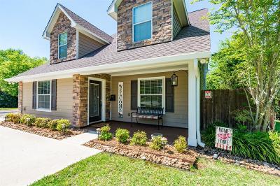 Huffman Single Family Home For Sale: 307 Cedar Lake Road