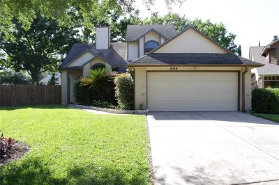 Sugar Land Single Family Home For Sale: 3419 Greenwood Drive