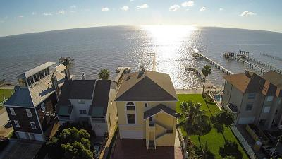 Kemah Rental For Rent: 705 Bay Avenue