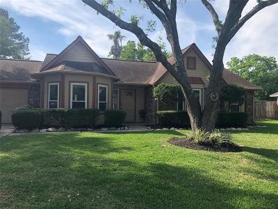 Friendswood Single Family Home For Sale: 810 Lancaster Drive