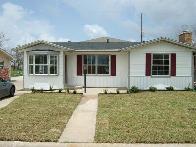 Galveston Single Family Home For Sale: 7810 Pruitt Drive