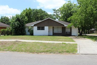 Houston Single Family Home For Sale: 4302 Howcher Street