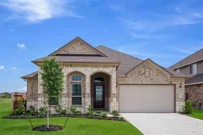 Spring Single Family Home For Sale: 3655 Lake Bend Shore