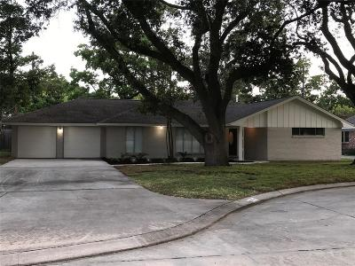 Nassau Bay TX Single Family Home For Sale: $230,000
