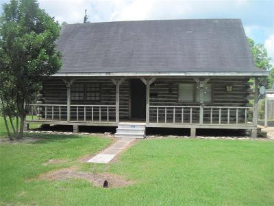 Brazoria Single Family Home For Sale: 204 N Oregon