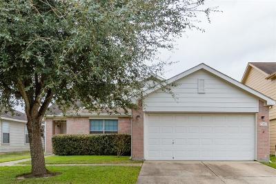 Baytown Single Family Home For Sale: 7907 Owl Lane