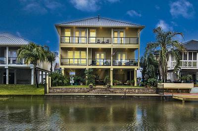 La Marque Single Family Home For Sale: 15 N Flamingo Street
