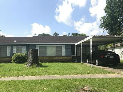 Houston Single Family Home For Sale: 8557 Forum Drive