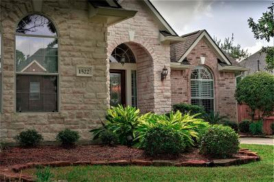 Spring Single Family Home For Sale: 1522 Leedscastle Manor