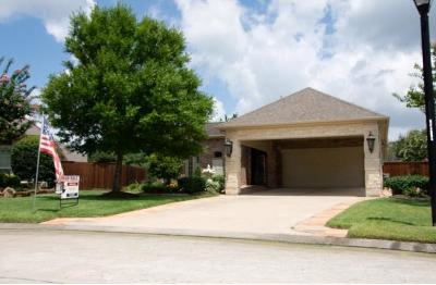 Pearland Single Family Home For Sale: 2406 W Tuschman