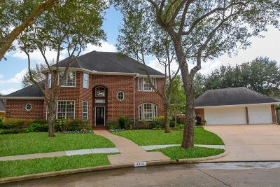 Sugar Land Single Family Home For Sale: 3907 Oakmont Court