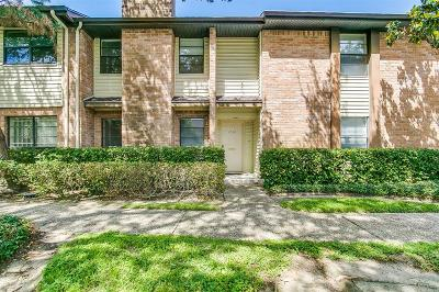 Houston Condo/Townhouse For Sale: 2504 Bering Drive