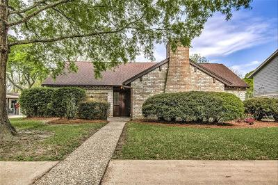 Seabrook Single Family Home For Sale: 4315 Parkmead Drive