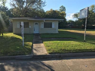 La Porte Single Family Home For Sale: 416 S Broadway Street