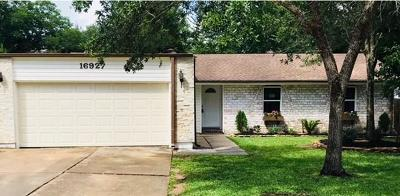 Friendswood Single Family Home For Sale: 16927 Hibiscus Lane