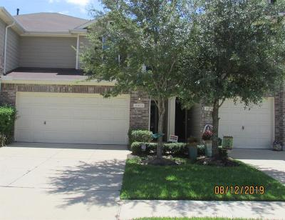Tomball Condo/Townhouse For Sale: 16024 Sweetwater Fields Lane