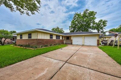 Deer Park Single Family Home For Sale: 614 Mark Street