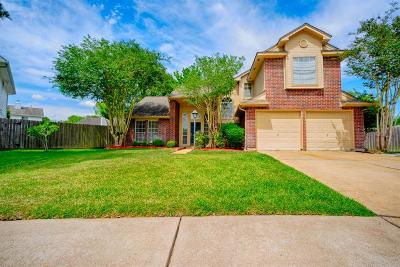 Sugar Land Single Family Home For Sale: 2706 Serene Place