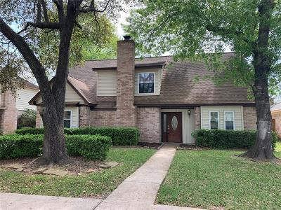 Spring Single Family Home For Sale: 6827 Stoney River Drive