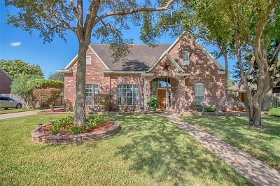 Friendswood Single Family Home For Sale: 2408 San Augustine Lane