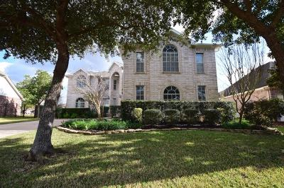 Pearland Single Family Home For Sale: 2830 S Cedar Hollow Drive