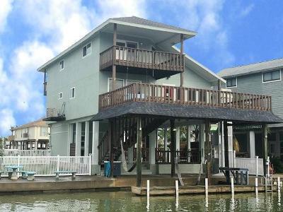 Tiki Island Single Family Home For Sale: 341 Admiral Circle