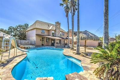 Pasadena Single Family Home For Sale: 6715 Gleneagles Drive