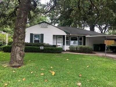 Oak Forest Single Family Home For Sale: 1819 Lamonte Lane