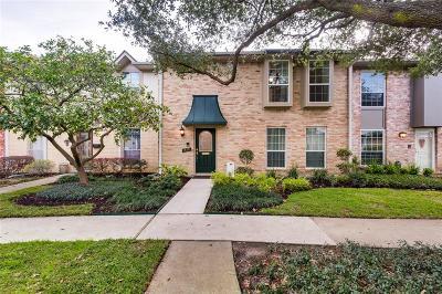 Houston Condo/Townhouse For Sale: 14120 Misty Meadow Lane