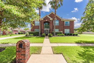 Friendswood Single Family Home For Sale: 1709 Sandy Lake Drive