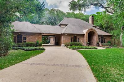Friendswood Single Family Home For Sale: 206 Stanley Court