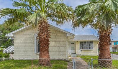 Galveston TX Single Family Home For Sale: $179,000