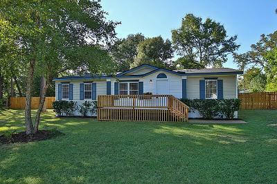 Magnolia Single Family Home For Sale: 27016 E Goodnight Trl