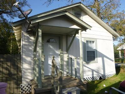 Willis Single Family Home For Sale: 401 W Mink Street