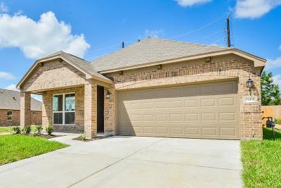 Spring Single Family Home For Sale: 23435 Azalea Hill