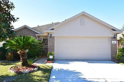 Richmond Single Family Home For Sale: 7838 Crescent Village Lane