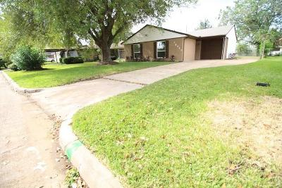 Houston Single Family Home For Sale: 10902 Long Gate Drive
