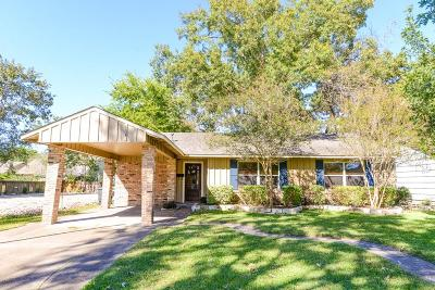 Oak Forest Single Family Home For Sale: 1846 Chantilly Lane