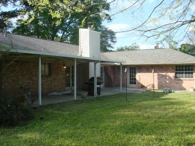 Willis Single Family Home For Sale: 11780 S Ridgeway Drive