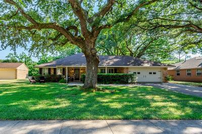 Jersey Village Single Family Home Option Pending: 15509 Jersey Drive