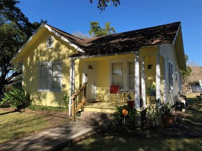 La Marque Single Family Home For Sale: 701 Oak Street