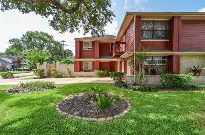Houston Single Family Home For Sale: 7755 Royan