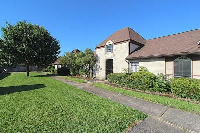 Houston Condo/Townhouse For Sale: 12139 Sharpview Drive