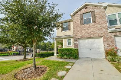 Tomball Condo/Townhouse For Sale: 16103 Sweetwater Fields Lane