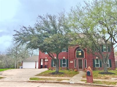Friendswood Single Family Home For Sale: 516 Lakeside Lane