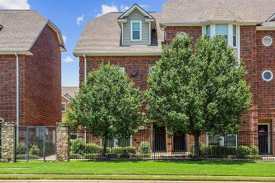 College Station Condo/Townhouse For Sale: 305 Holleman Drive E #201